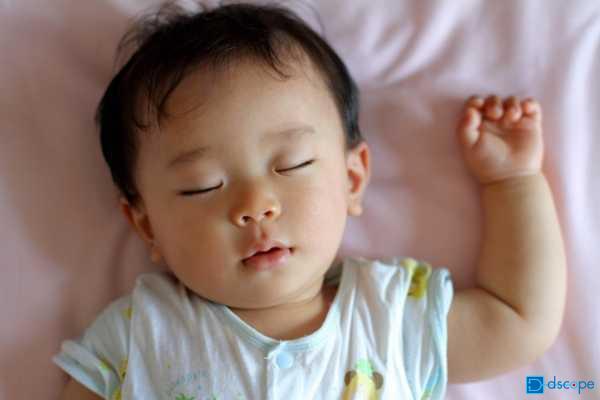 イクメン赤ちゃん寝顔