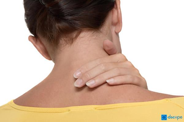 頸椎捻挫(けいついねんざ)