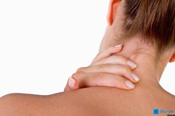 【首が痛い】考えられる病気は?
